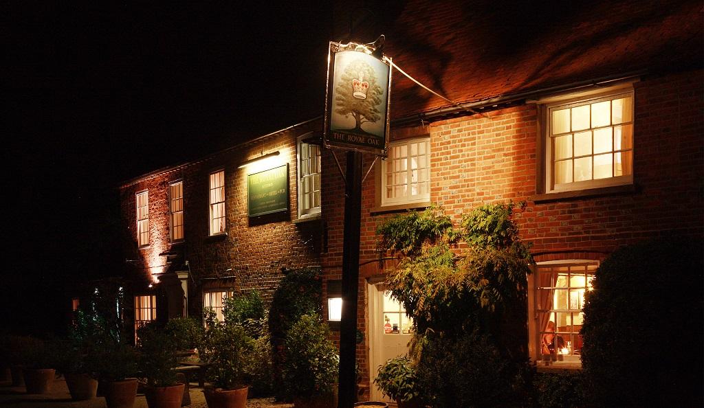 Get out of town mini breaks outside london culture whisper for 6 salon royal oak